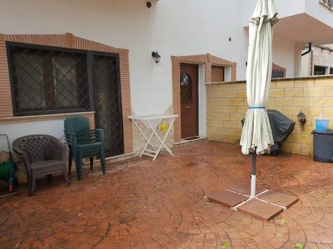Monolocale Per 1 o 2 Persone A Roma/Acilia