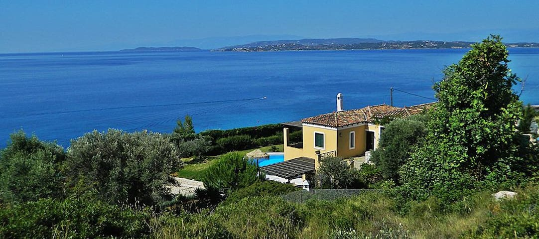 Villa Athena-Private villa with pool and sea view - Ermioni