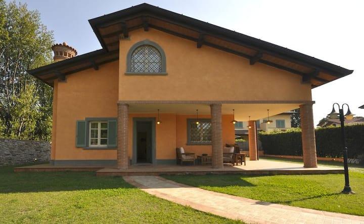 Awesome Elegant Single Villa