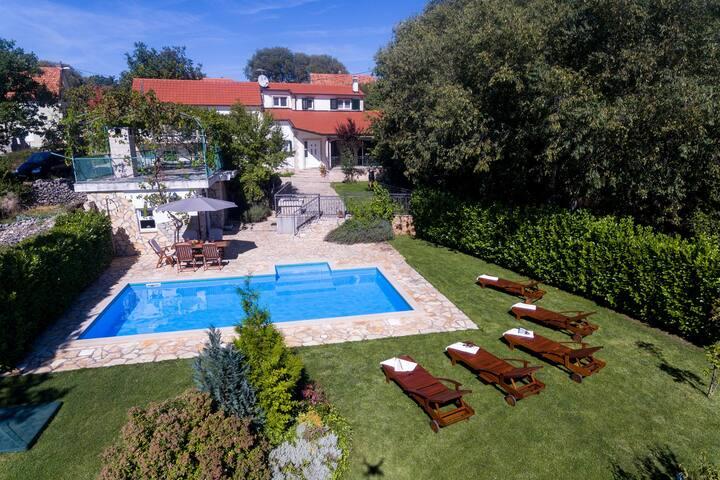 Villa Milančić - Croatian house of leisure life