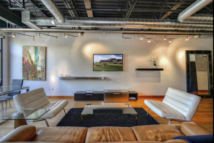 Modern Loft - Best Location in Old Town Scottsdale