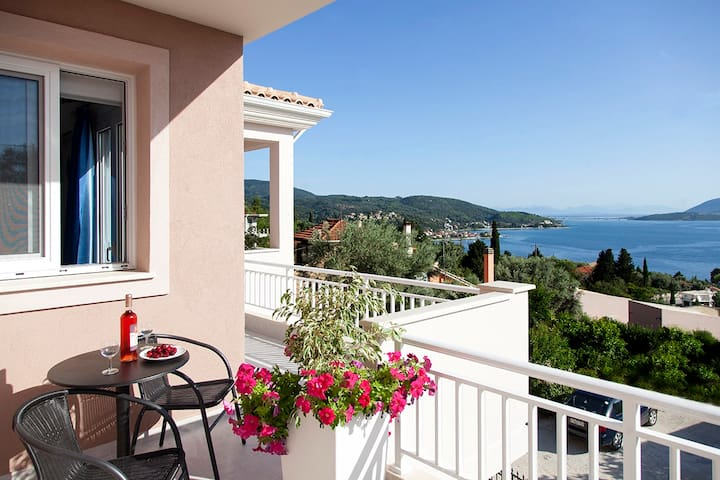 Apartment Chloe with Lovely Sea View - Lefkada - Apartamento
