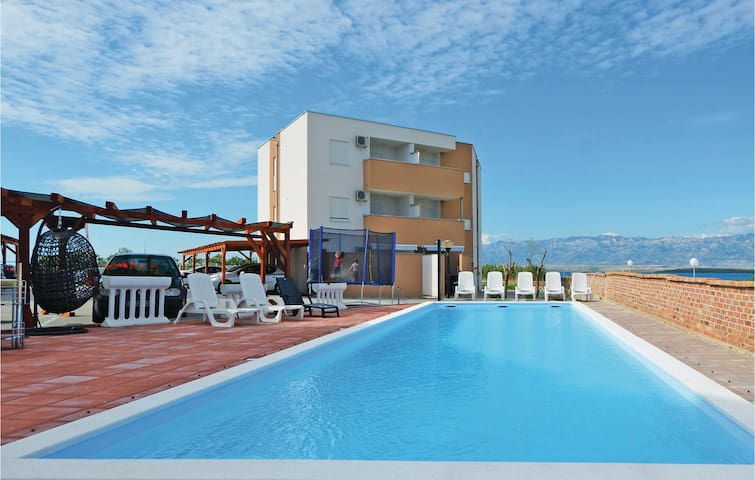 Holiday apartment with 2 bedrooms on 54m² in Nin