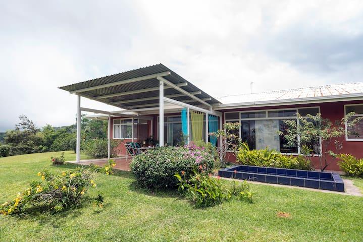 8 BR Casa Vista Golfo - San Ramon - Dům