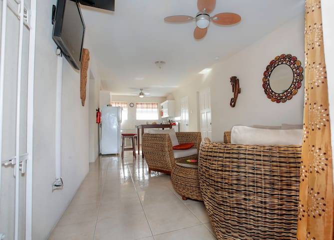 Lovely Two bedroom Condo in Beautiful Barbados - Oistins - Wohnung
