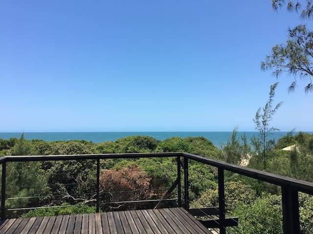 BEACH STUDIO 2 NEAR MAPUTO WITH AWESOME DECK VIEW