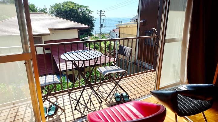 Ocean view villa in Izu 駅から徒歩5分!伊豆のオーシャンビュー貸切別荘