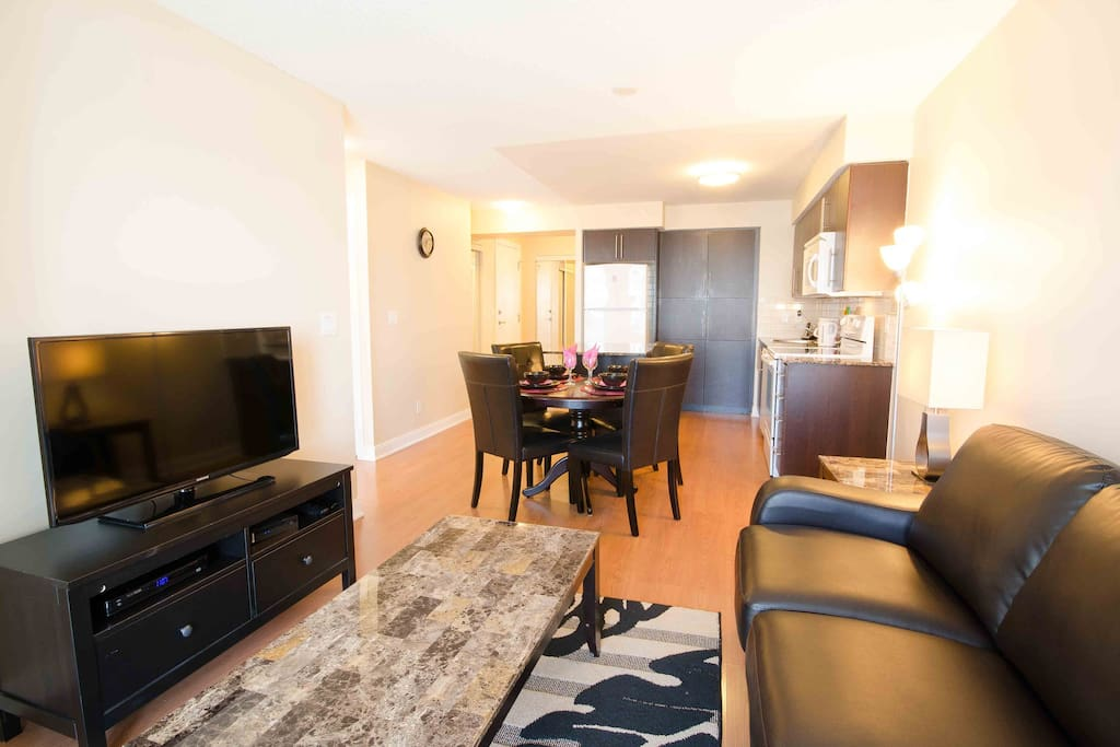 Junior Two Bdr Square One Apartments For Rent In Mississauga Ontario Canada