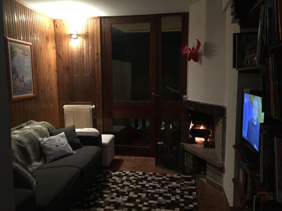 appartement duplex terrasse et chemin e valberg appartements louer p one provence. Black Bedroom Furniture Sets. Home Design Ideas