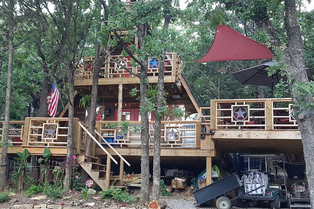Front of Cabin with decks on 3 sides