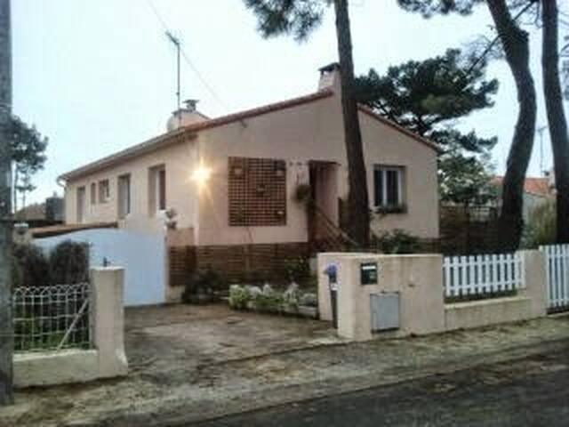 beautifull house, 5 bedrooms. Quiet - Château-d'Olonne - Casa