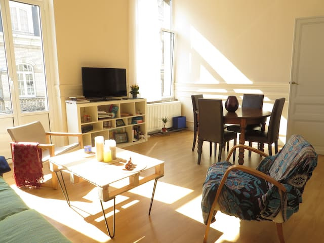 Cosy room-Flagey, Ixelles, central Brussels - Ixelles