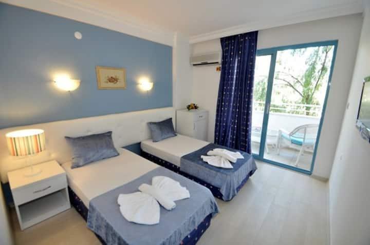 NAVY HOTEL STANDARD ROOM