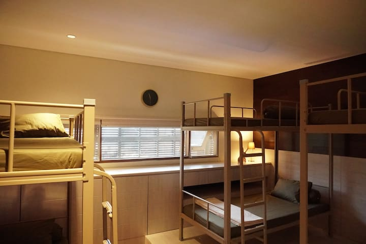 Uma Dewata - Kuta Room (Top Mattress)