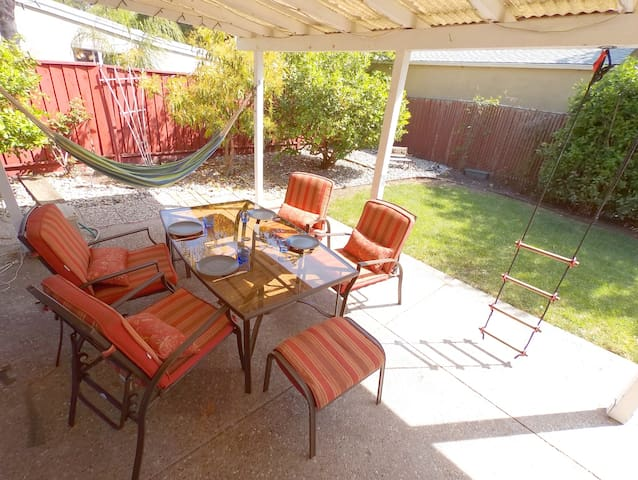 3br 3ba ranch home in Mountain View