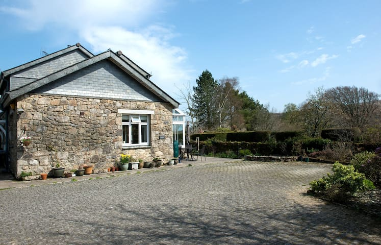 Fabulous Dartmoor location for 8! - Belstone - Casa