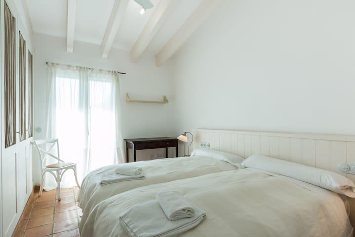 Chambre avec 2 lits simples (chambre 3)