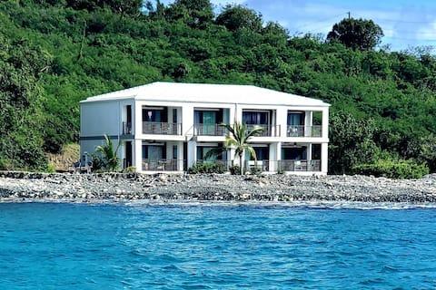Caribbean Romantic Oceanfront Condo