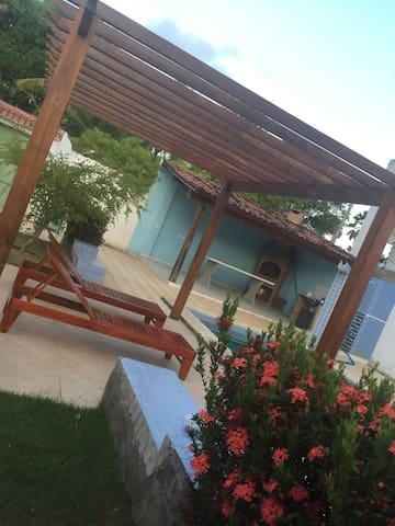 Casa de praia reformada,4/4 - Barra de Santo Antônio