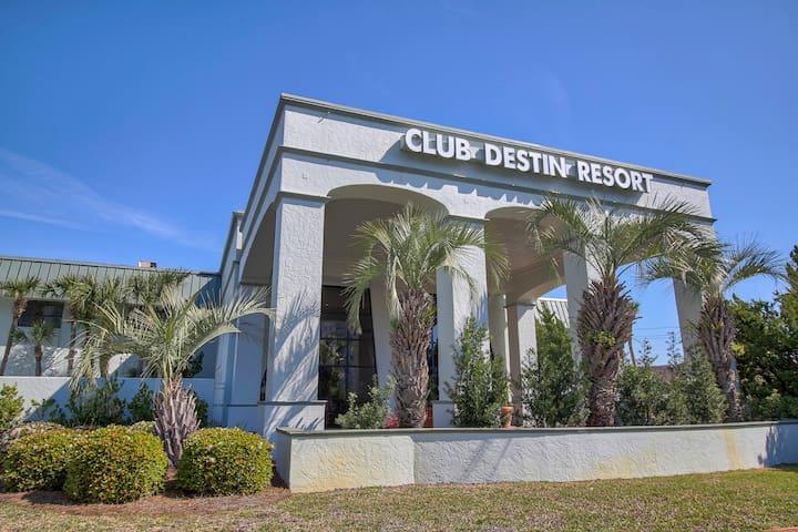 One Bedroom Condo at Club Destin Indoor & Outdoor Pools