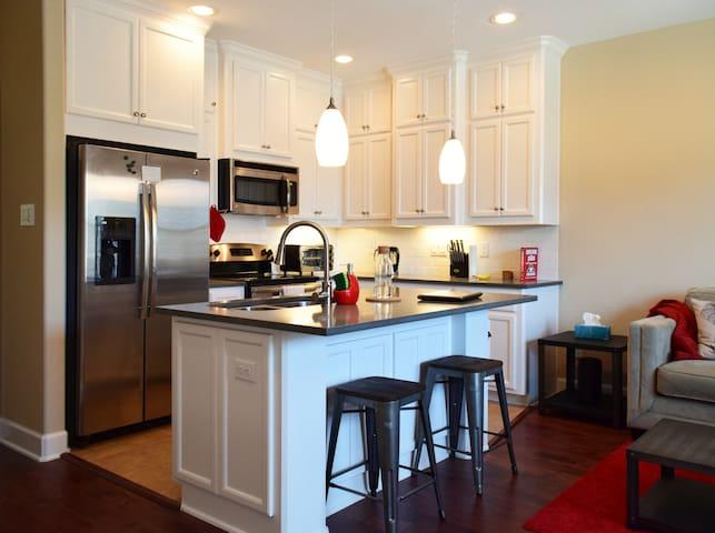 Clean Home! Cozy Private Room/Bath - Houston - Hus