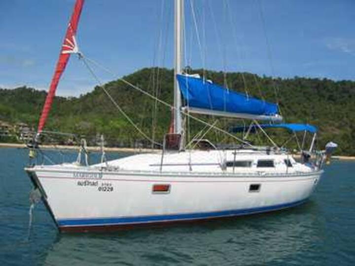 Navigation (et logement ) au Frioul sur un voilier