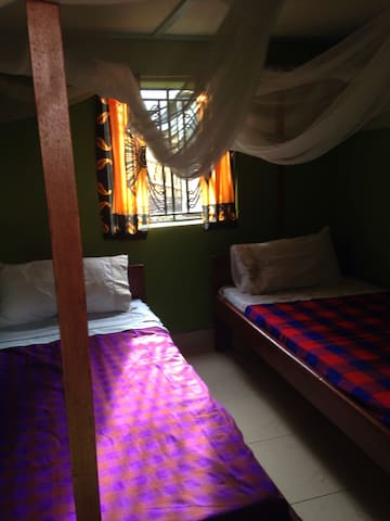 THE BLUE SATELLITE GUESTHOUSE - Kasese - Apartment