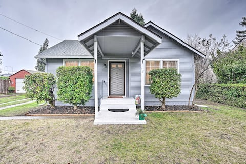 NEW! Quaint Grants Pass Cottage with Private Deck!