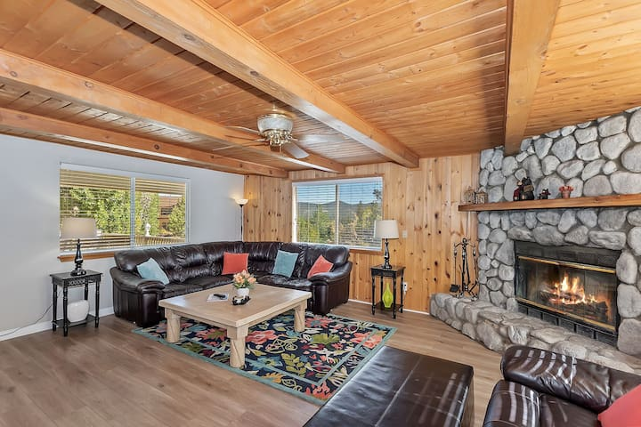 Village Views: Gorgeous Abode a Short Walk from the Lake w/ a Cozy Wood Fireplace & Jetted Tub!