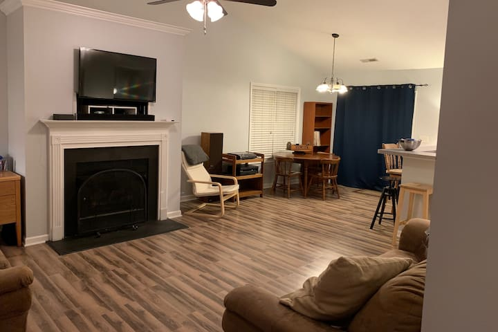 High Point Hangout- Single room