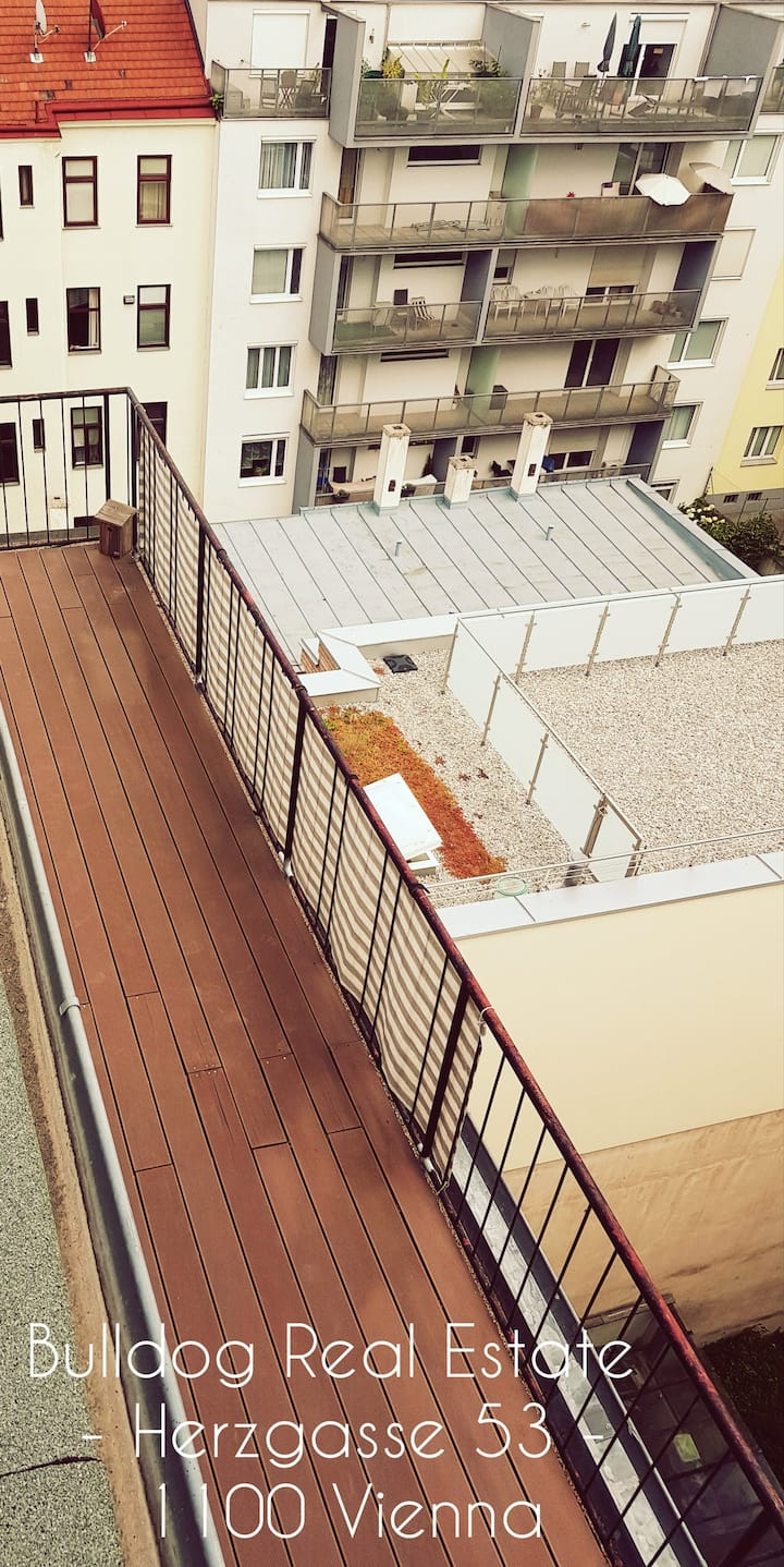 PENTHOUSE COLIVING WITH ROOFTOP TERRACE - Room 7