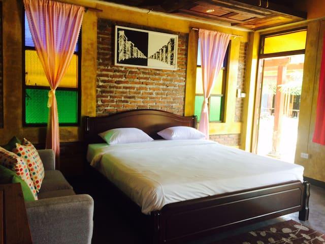 Teewana Healty Vegetables House - Tambon Hang Dong - Bed & Breakfast
