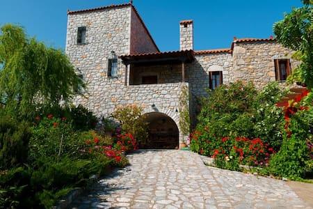 Elise Cottage,  Paradise in Mani - Ageranos