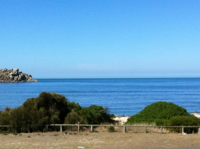 Blue Seas on The Esplanade - Victor Harbor - Apartemen