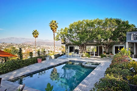 Private Pool House with Amazing Views! - Los Angeles