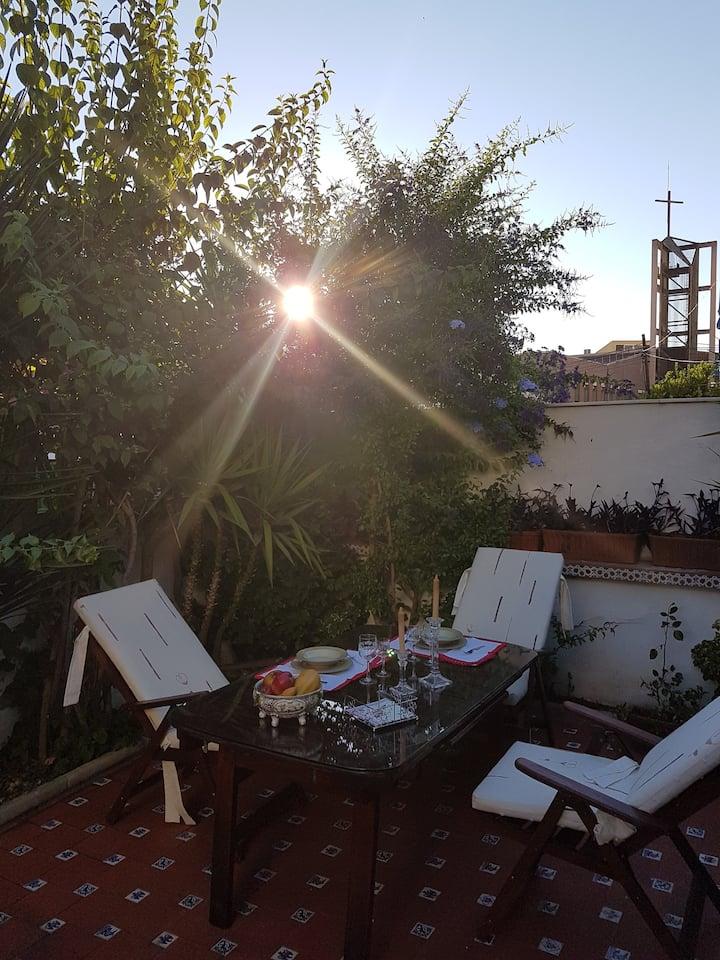Acogedora casa con Jardin GRANADA WIFI