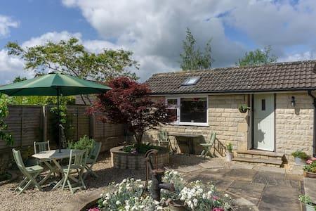 Garden Studio in the old town of Corsham