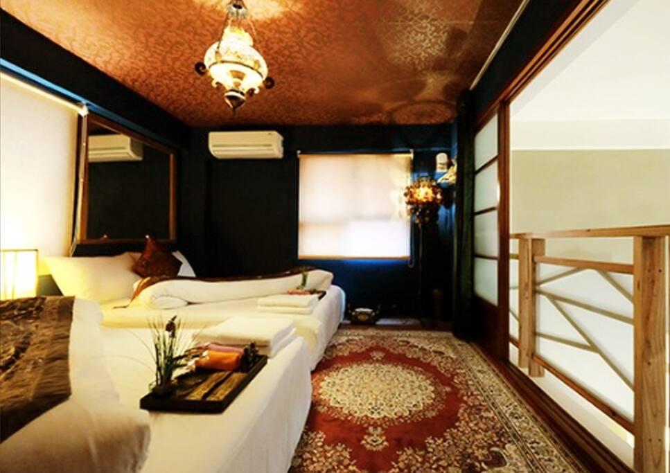 房間採樓中樓形式,可方便與一樓客廳互動