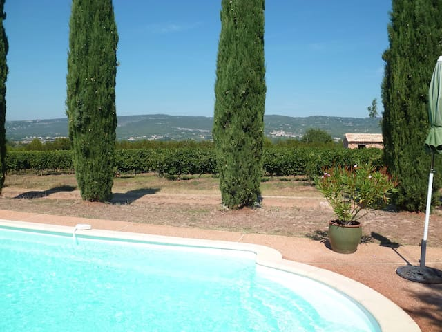 Gîte le Luberon avec piscine - Roussillon - Huis