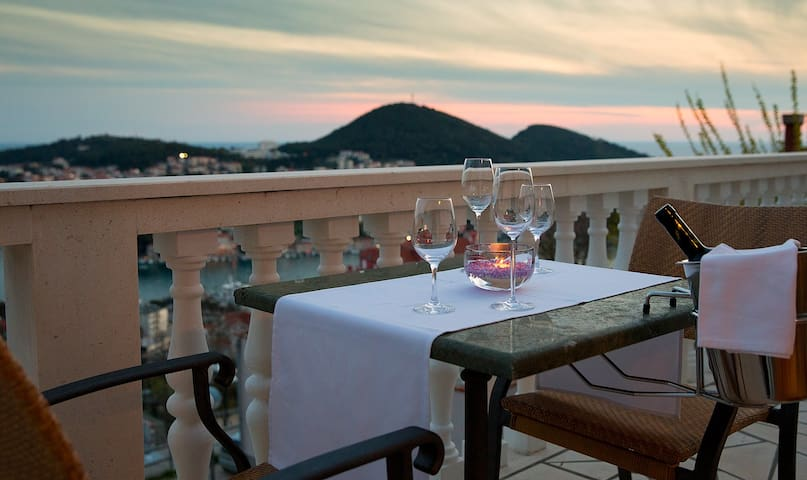 We're sure you can picture yourself on this big balcony... :)