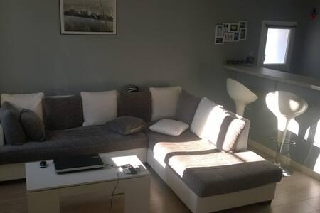 Chambre privée dans un appartement - Althen-des-Paluds