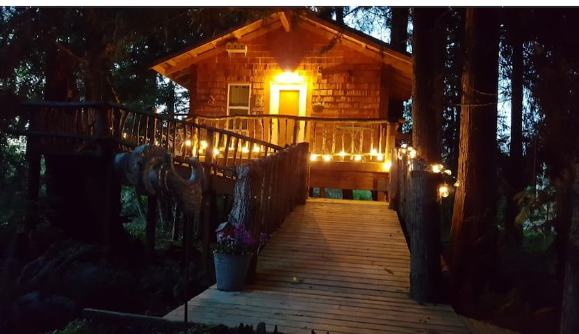 Romantic Treehouse Farm Stay near Olympic park