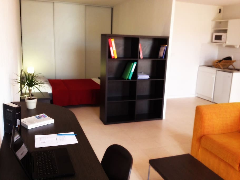 studio xxl tram occitanie montpellier appartements en r sidence louer montpellier. Black Bedroom Furniture Sets. Home Design Ideas