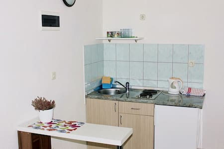 Classic studio apartment in Starigrad - Seline - Apartmen