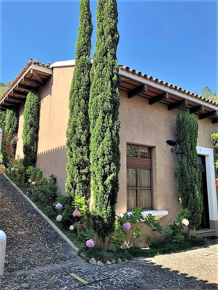 Antigua Villa Orataba
