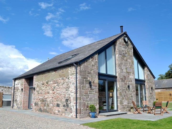 The Steading (UK5834)