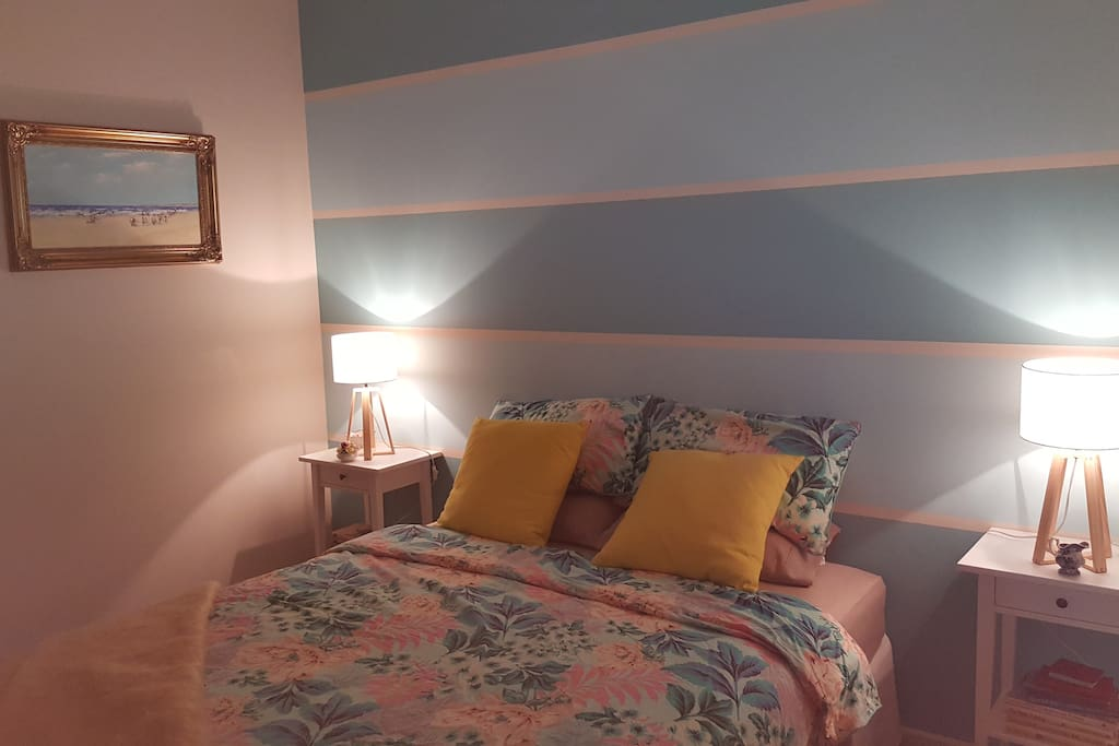 Our freshly decorated guest room has plenty of room to relax, with access to wardrobe space, storage space, drawers and a desk. Access to free wifi to catch up while on your travels.
