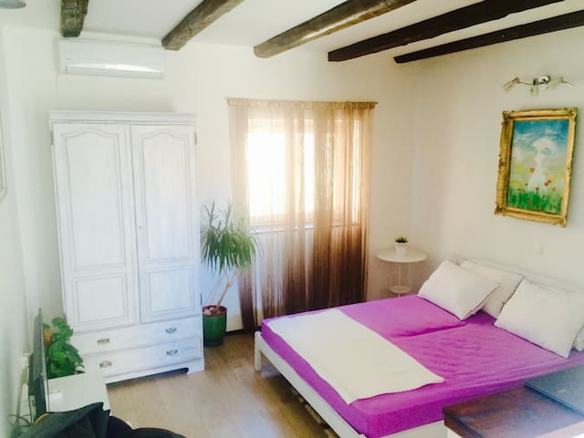 BEAUTIFUL ap,inCENTER,BIG FIREPLACE - Makarska - Appartement