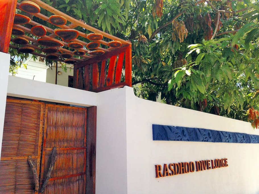 Entrance to Rasdhoo Dive Lodge