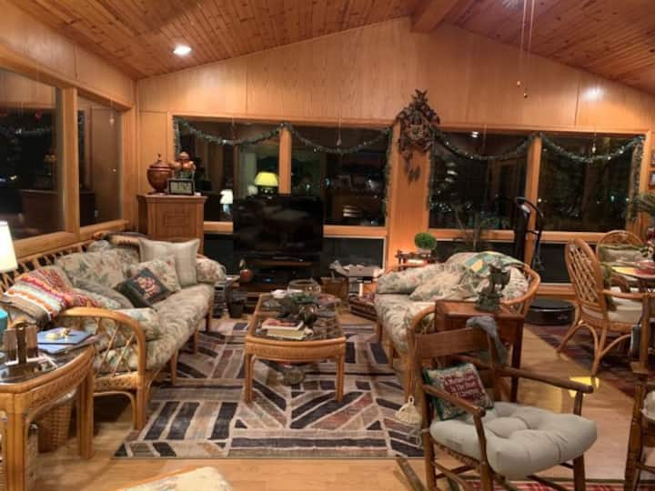Cozy Home with an Amazing Sunroom & Deck!